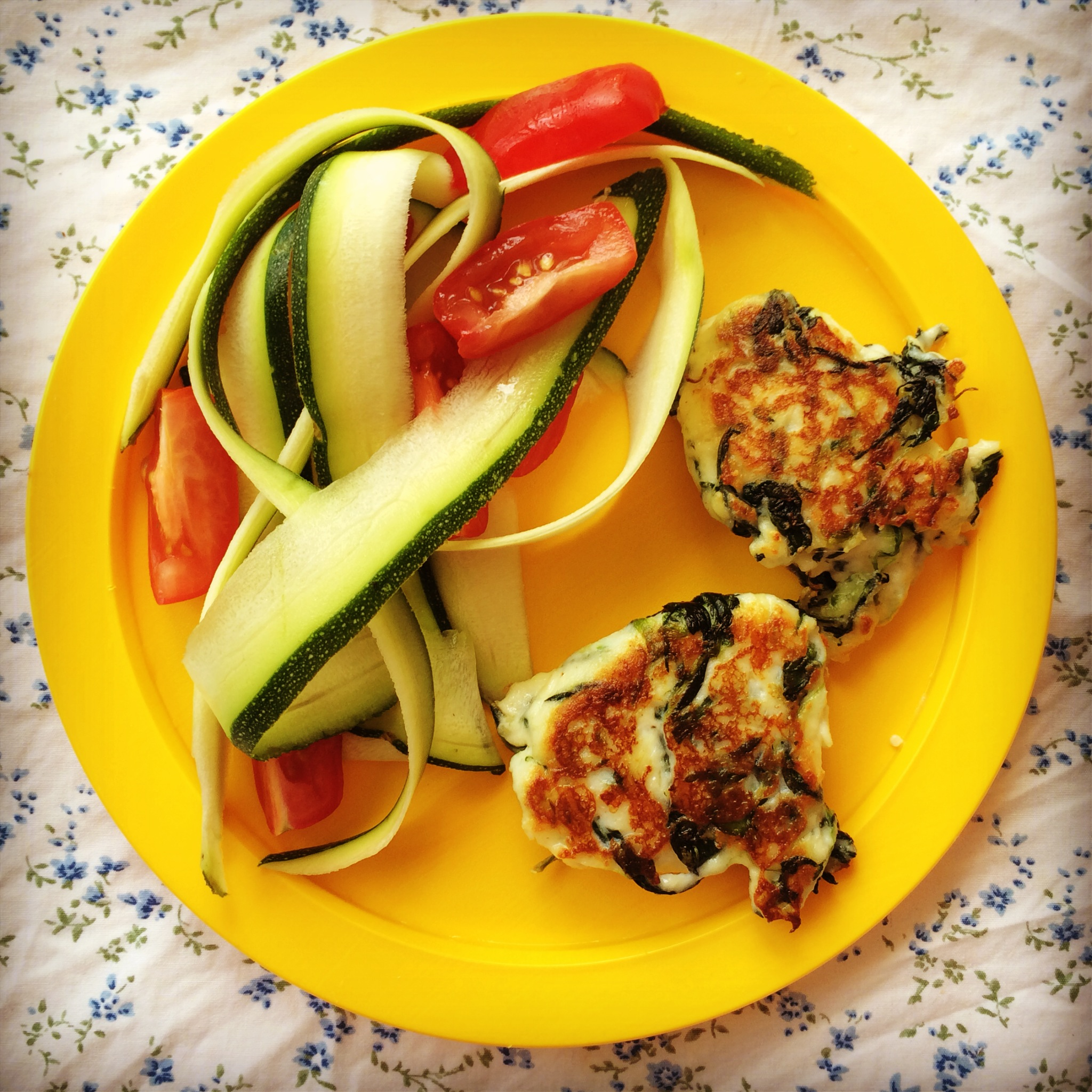 Spinach ricotta fritters my lovely little lunch box forumfinder Image collections
